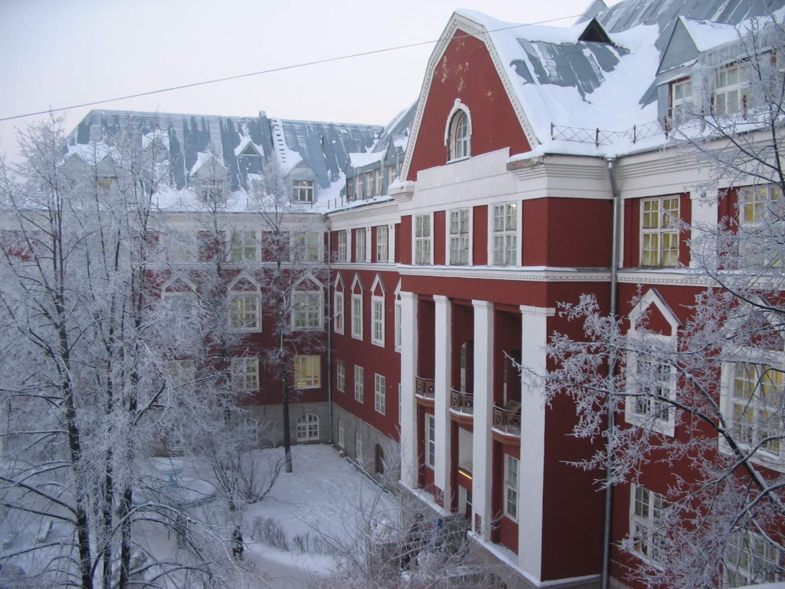 Холостяк Wikipedia: Корпус номер 2 Пермского
